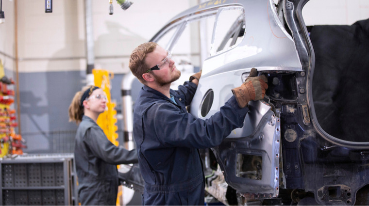 Saskatchewan Polytechnic first post-secondary Auto Body shops in Canada to receive I-CAR Gold Class certification